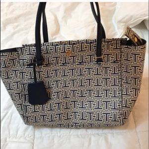 502c59ea8d27 Tory Burch Bags - Tory Burch Parker Geo-T Small Tote Navy White